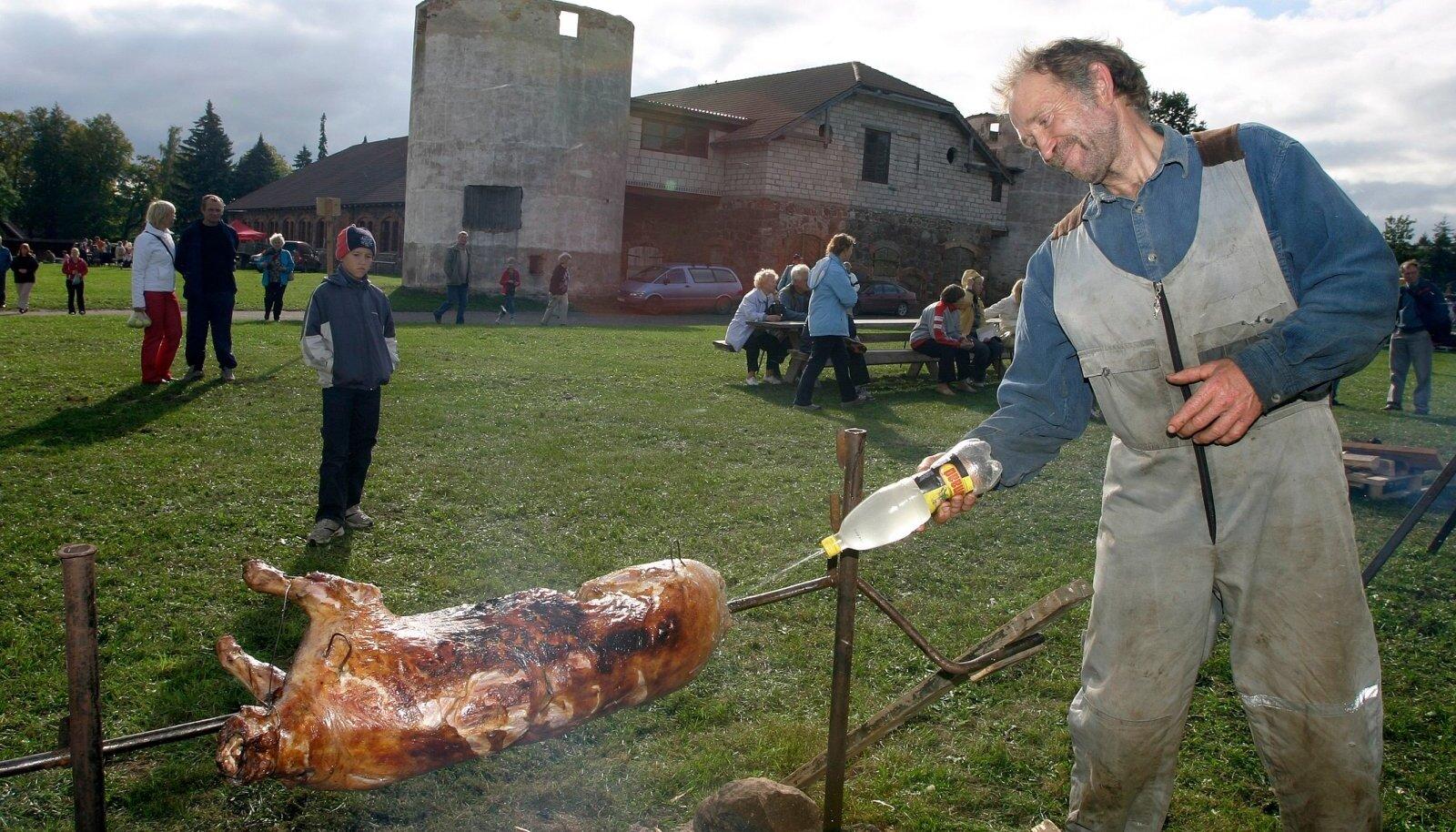 Saakide koristamist ja karjatamise lõppu tähistati pidulikumate söömingutega, mille puhul tapeti lammas.