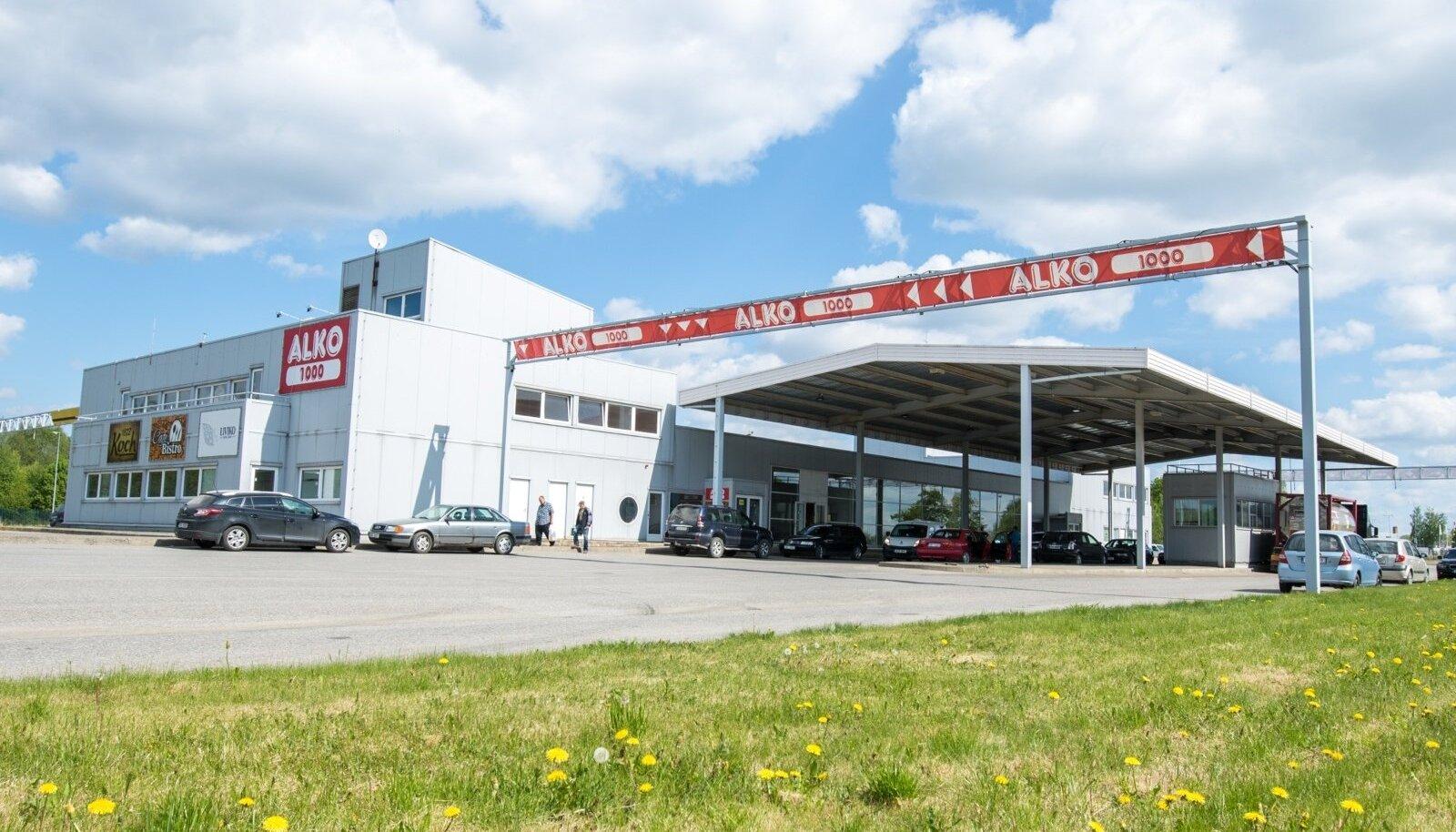 Piiriäärne Alko1000 kauplus, kus hinnad tunduvalt odavamad kui siinpool piiri.