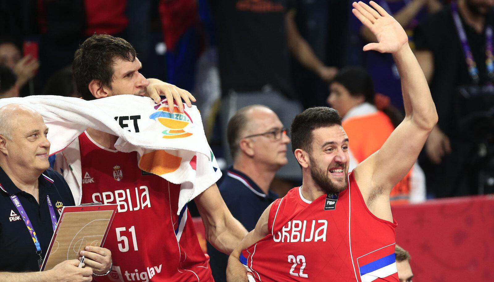 Boban Marjanovic ja Vasilje Micic juubeldavad