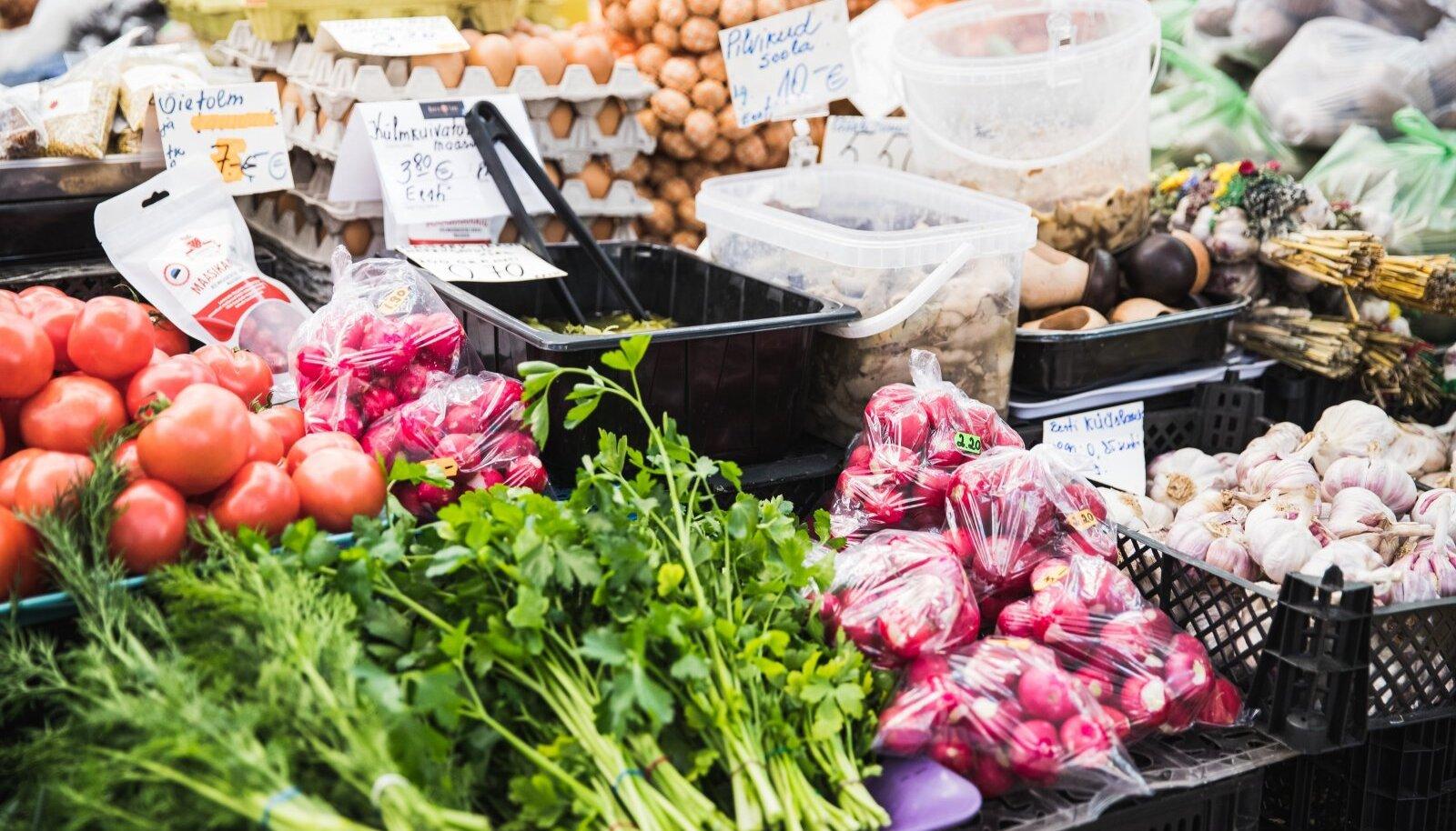 Põllu- ja peenravärske Eesti köögivilja ostmiseks peab rahakott olema n-ö puuga seljas.