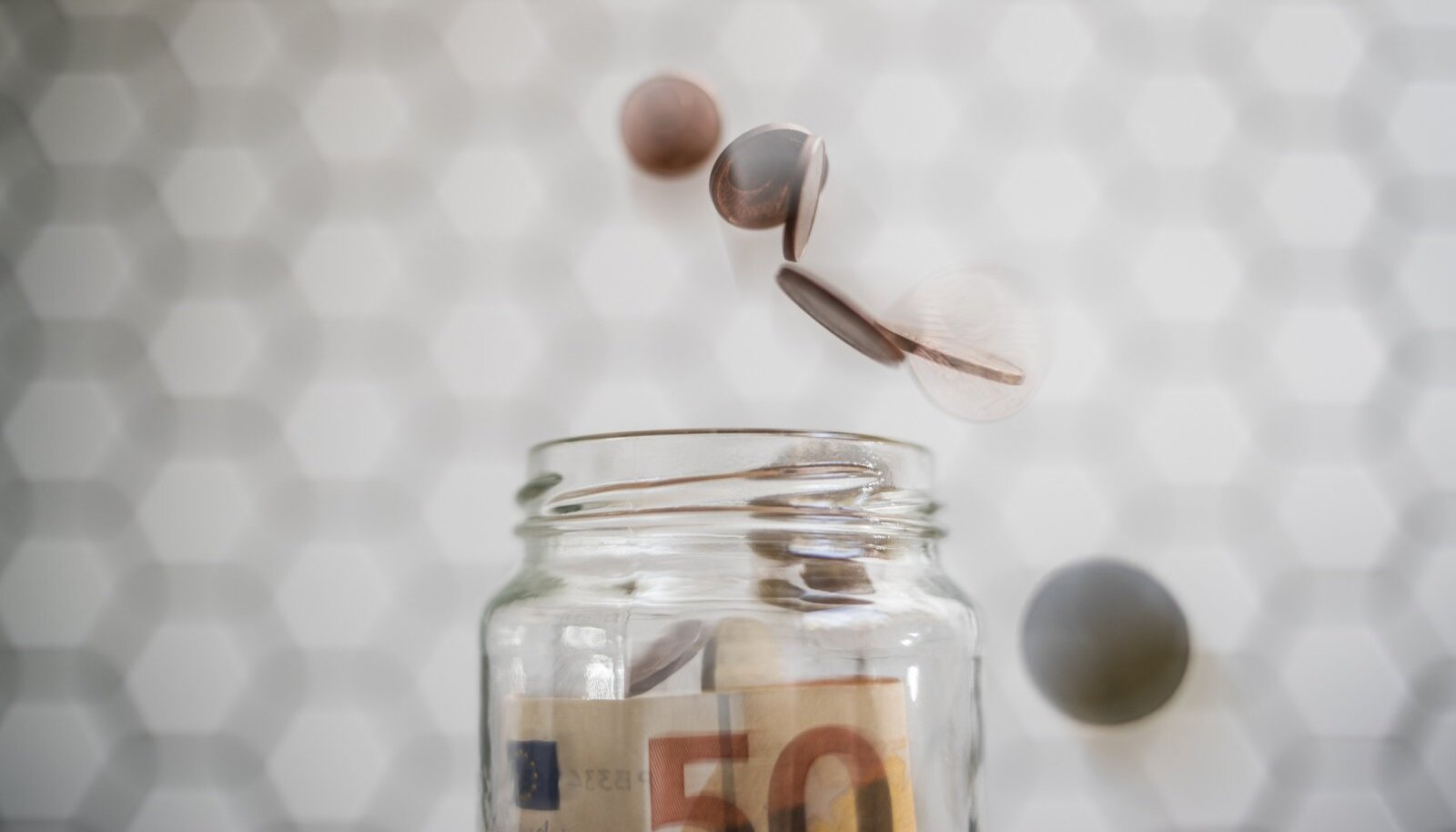 Raha säästmise asemel võib sooduskampaania ootamine tarbijale hoopis kallimaks maksma minna.