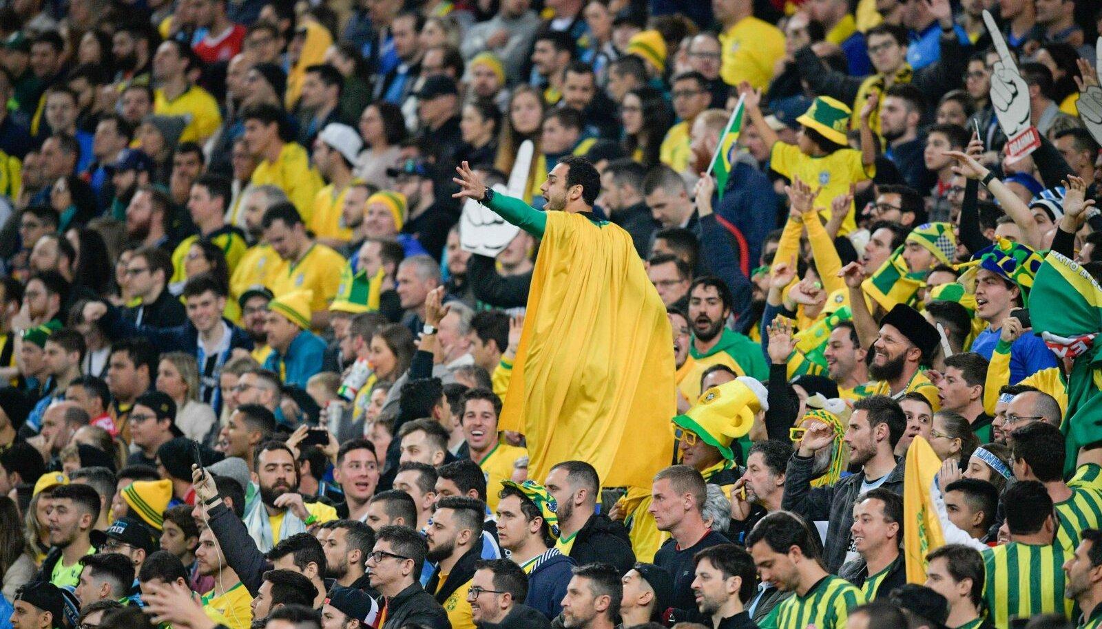 Brasiilia jalgpallifännid.