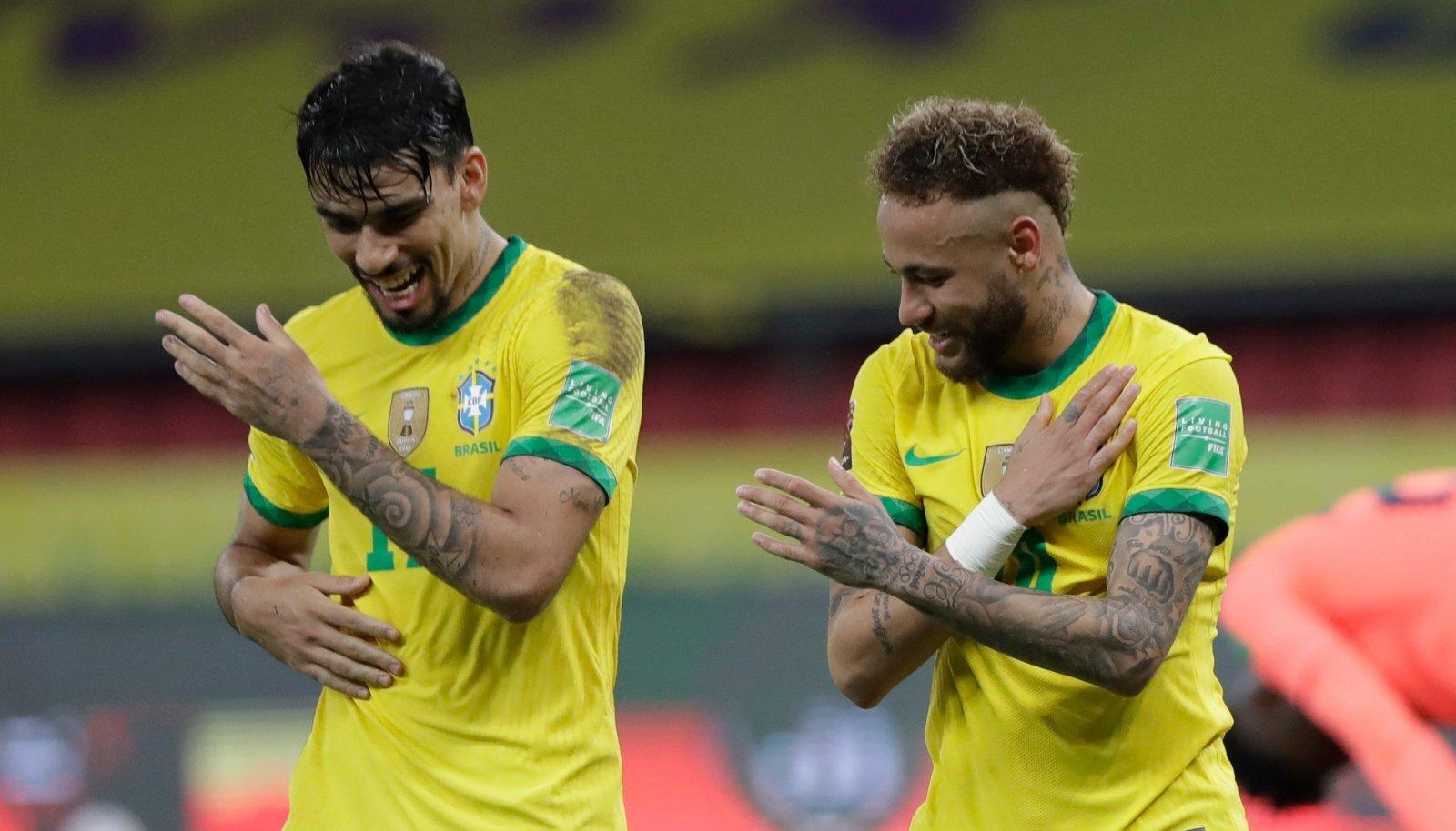 Lucas Paqueta ja Neymar väravat tähistamas.