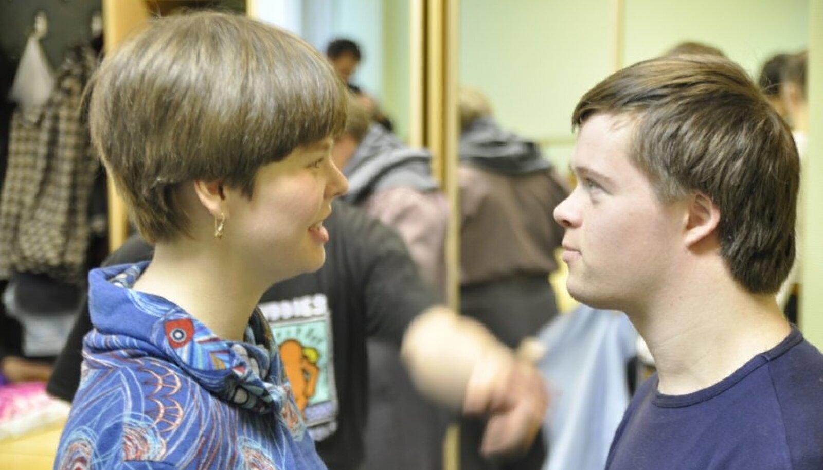 Vika ja Viktor arutavad pärast proovi ilmaelu