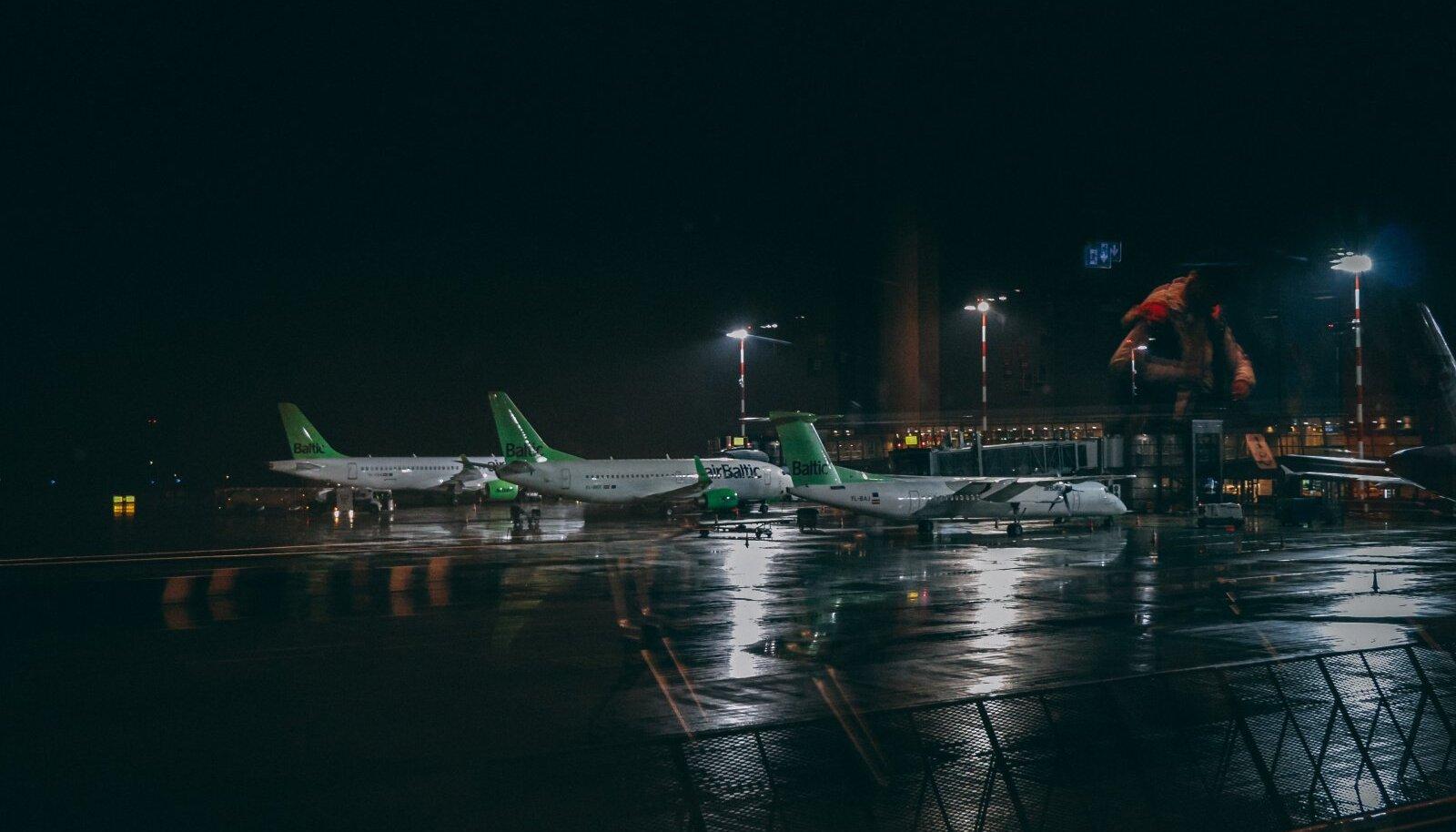 airBalticu lennukid Riia lennujaamas