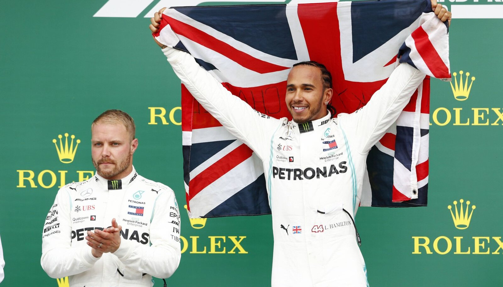 Pettunud Valtteri Bottas ja kuuenda Suurbritannia GP võitnud Lewis Hamilton.