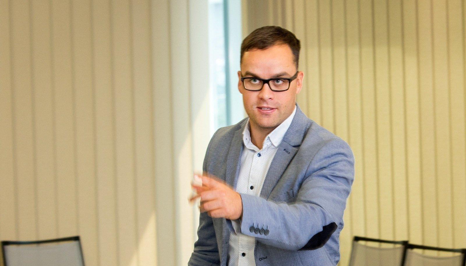 Retsidiviste, kelle puhul maksuamet peab minema lõpuni, jääb aina vähemaks, kinnitab maksuametnik Oscar Õun. Eesti riik on Euroopa võrdluses tõhus maksude koguja.