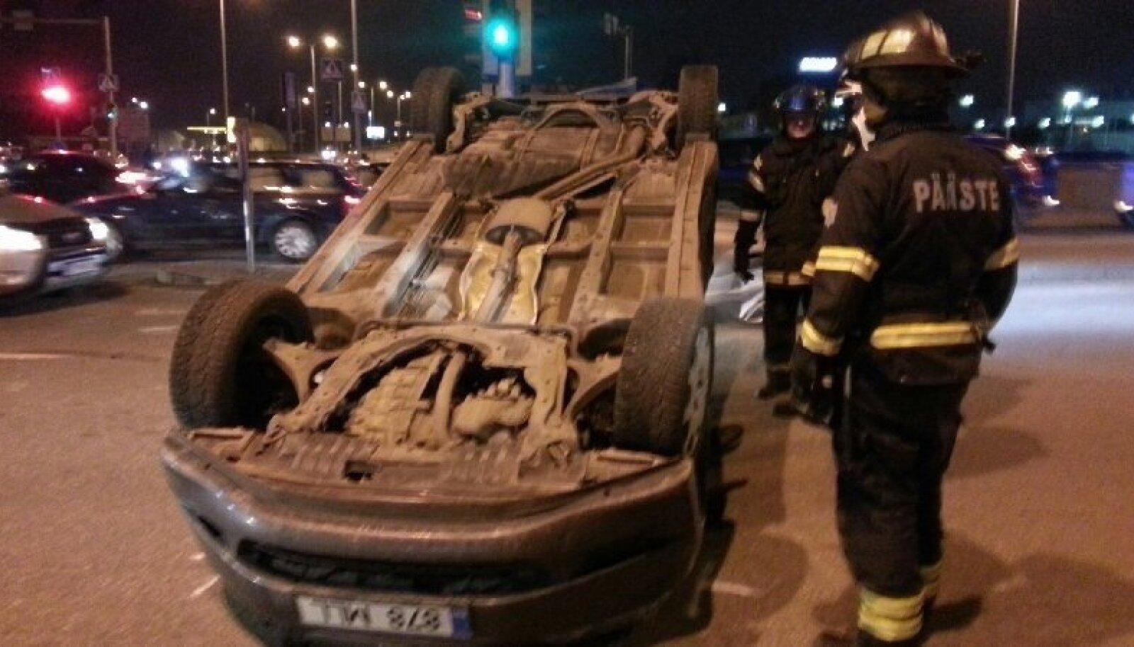 Liiklusõnnetus smuuli teel