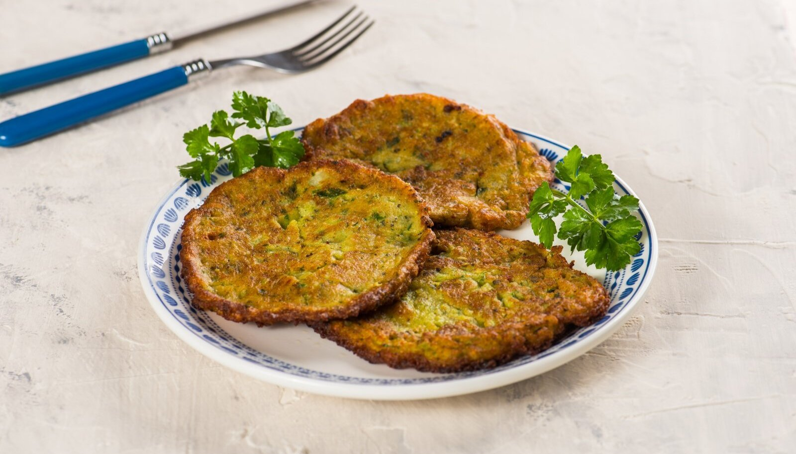 Mucver.,Traditional,Zuccini,Mucver.,Mucver,Is,A,Turkish,Fritter,Or