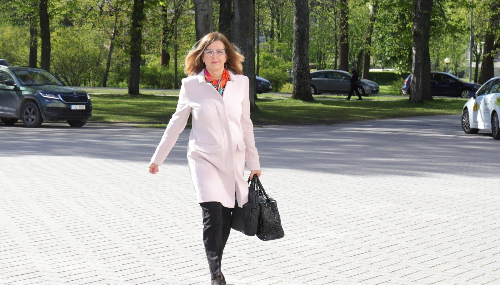Kert Kingo paistis oma ametiajal korduvalt silma sellega, et loobus kohtumistest nii Eestis kui ka mujal.