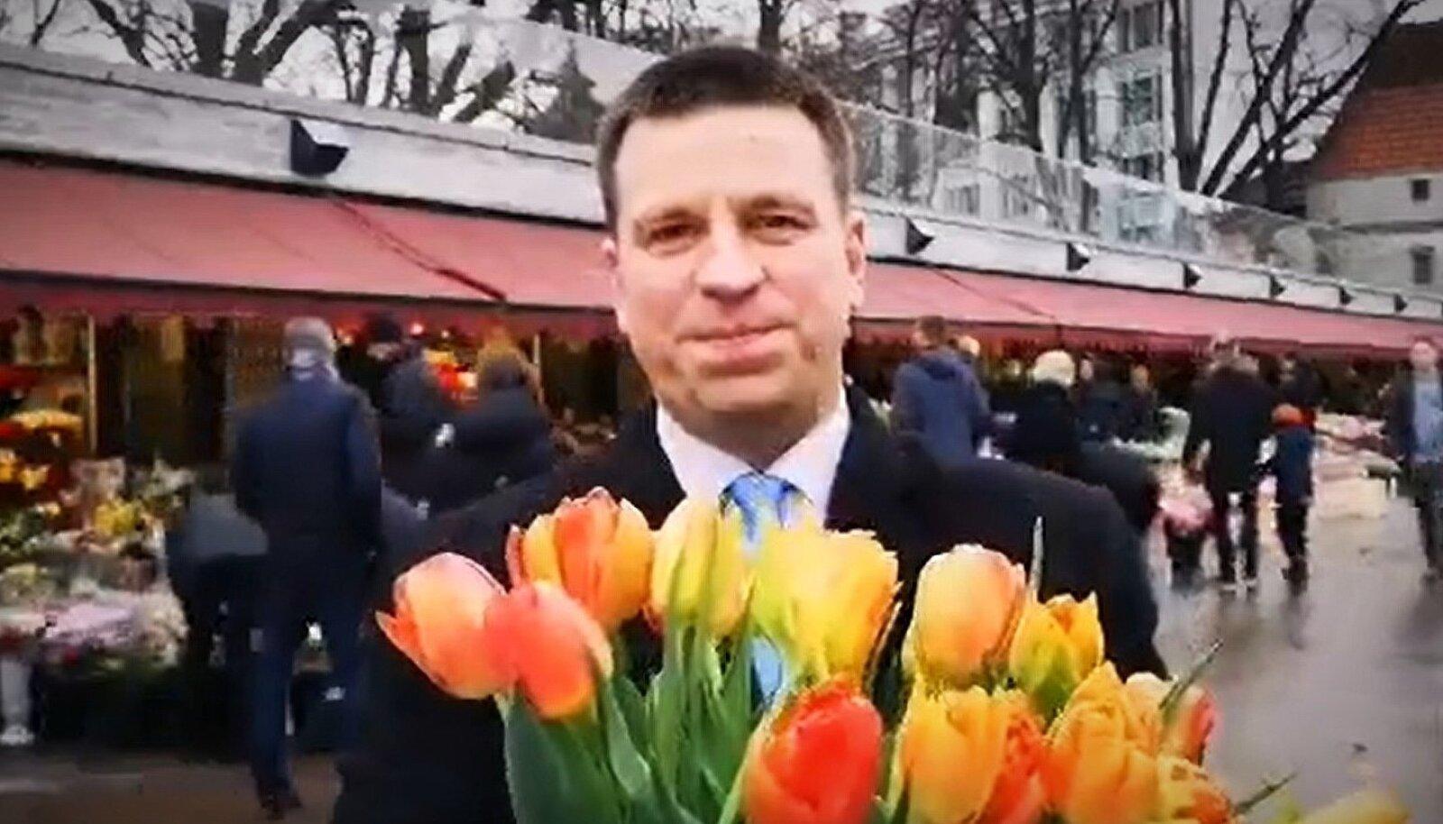 Jüri Ratas peab naiste südamete võitmiseks nüüd kõvasti pingutama, sest kuu ajaga vähenes tema toetus selle valijarühma seas tervelt viis protsenti.