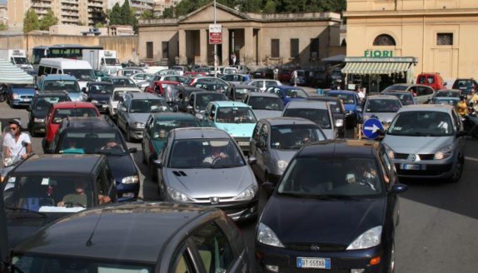 Palermo oli autodest alati tulvil, kellaajast sõltumata.