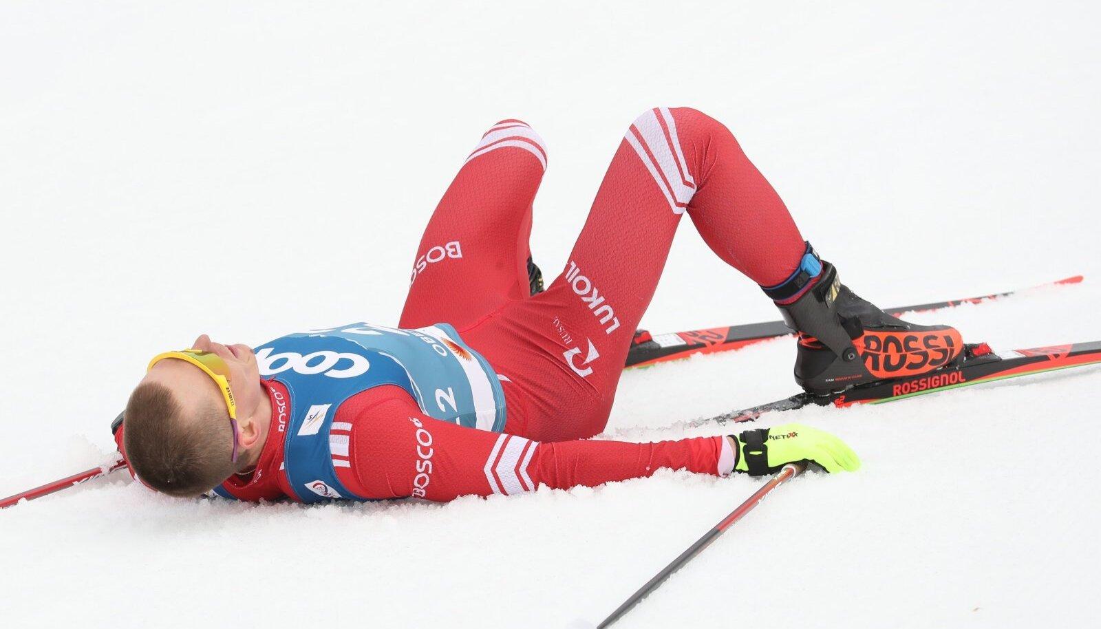 Aleksandr Bolšunov oli finišis täiesti läbi.