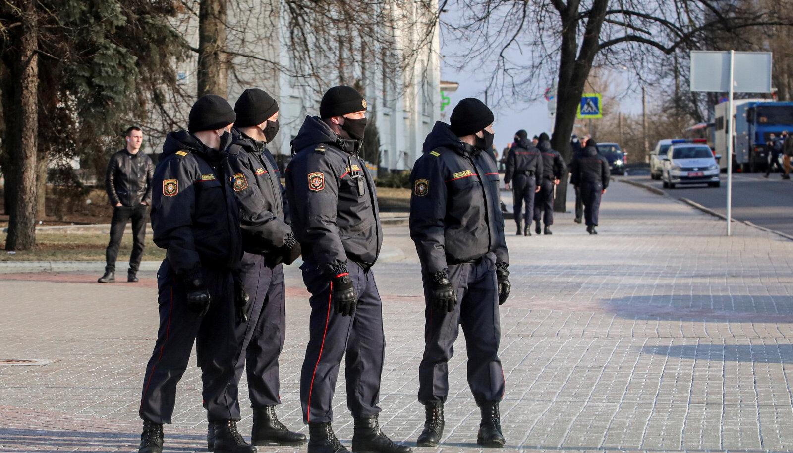 Valgevene korrakaitsejõud neljapäeval Minskis.