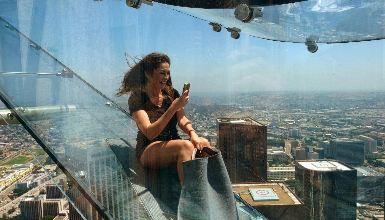 Los Angelese pilvelõhkujasse on ehitatud liurada