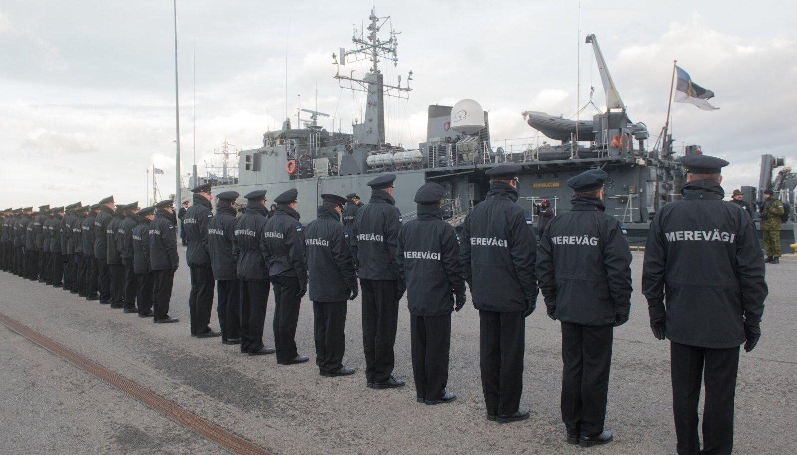 Neli kuud NATO  miinitõrjegrupis teeninud miinijahtija Admiral Cowan saabus koju.