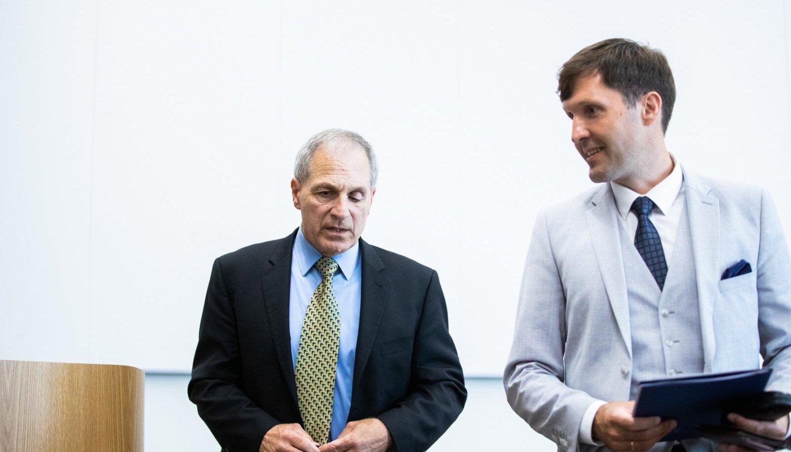 Rahandusminister Martin Helme kasutab mitme miljoni euro eest palgatud Louis Freeh' uurimistöö käimalükkamiseks ähvardusi.