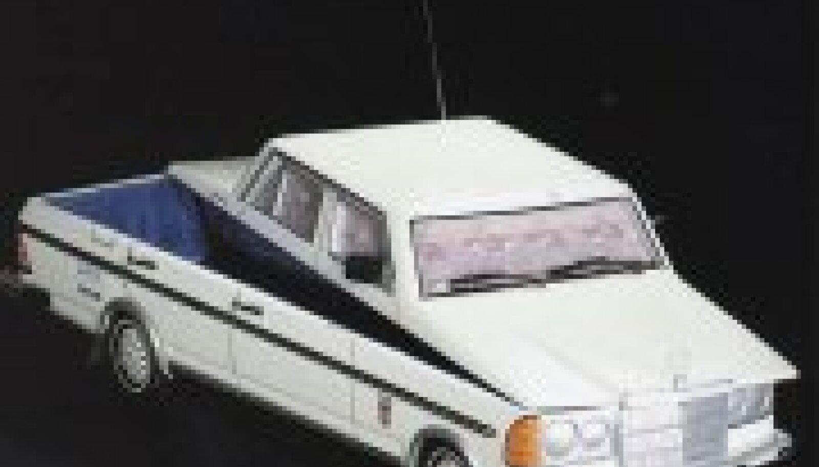Päris Mercedeses maa sisse mattuda poleks mõistlik