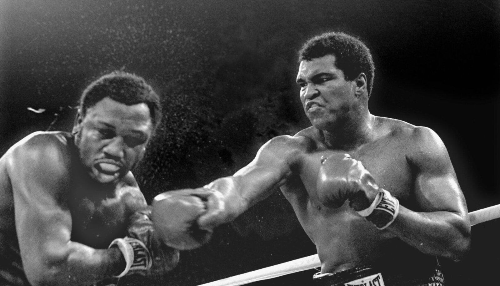 Muhammad Ali (paremal) ja Joe Frazieri heitlus.