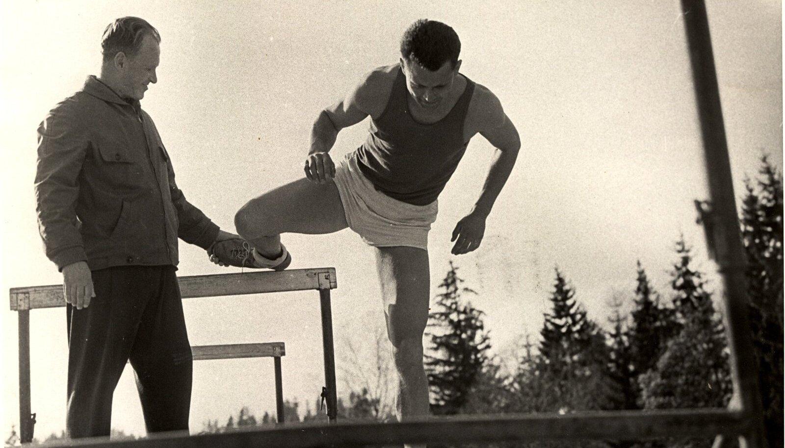 Fred Kudu Tokyo olümpia hõbemedalisti Rein Auna juhendamas.