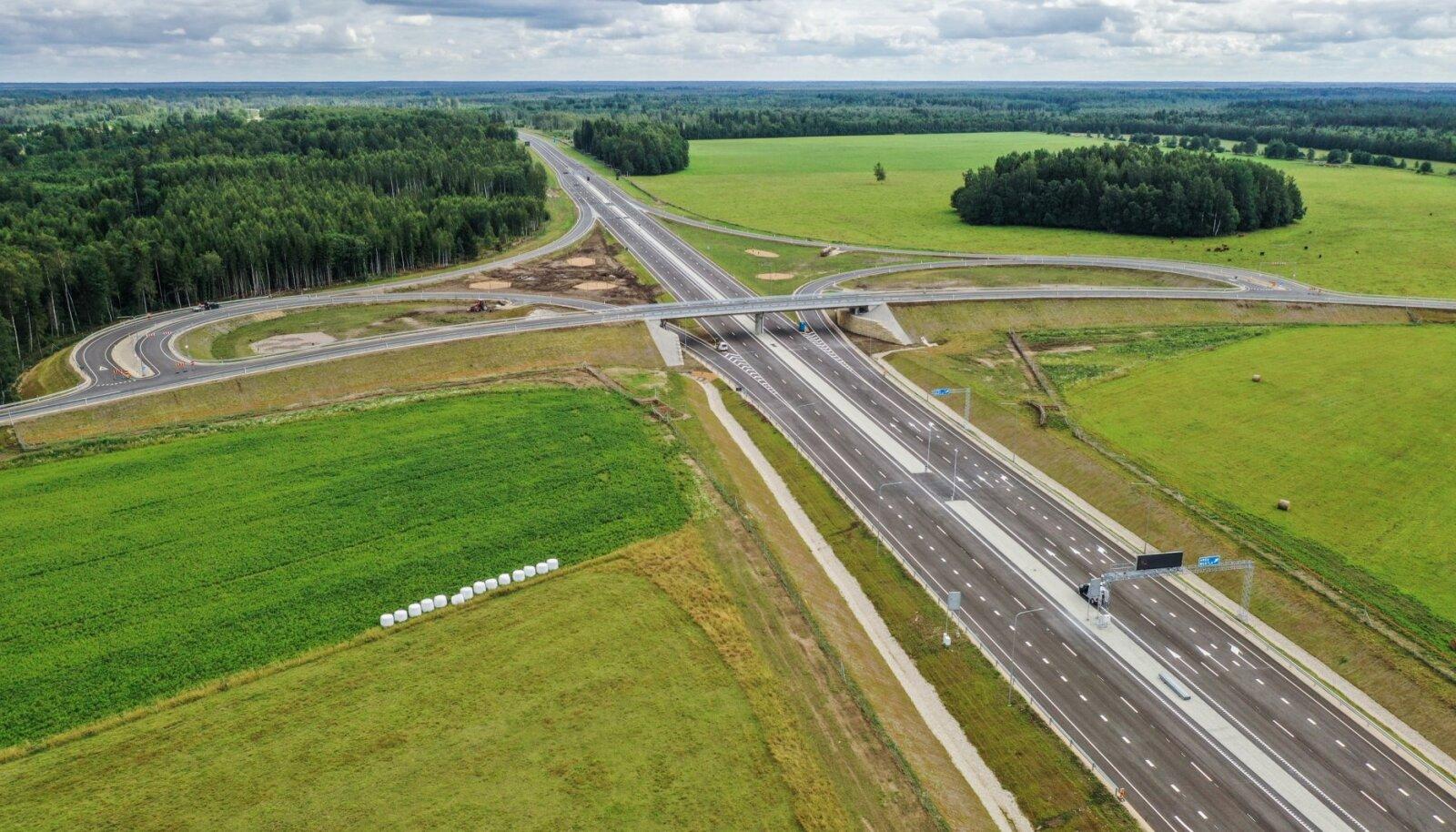 Uue teelõigu Mustla liiklussõlm.