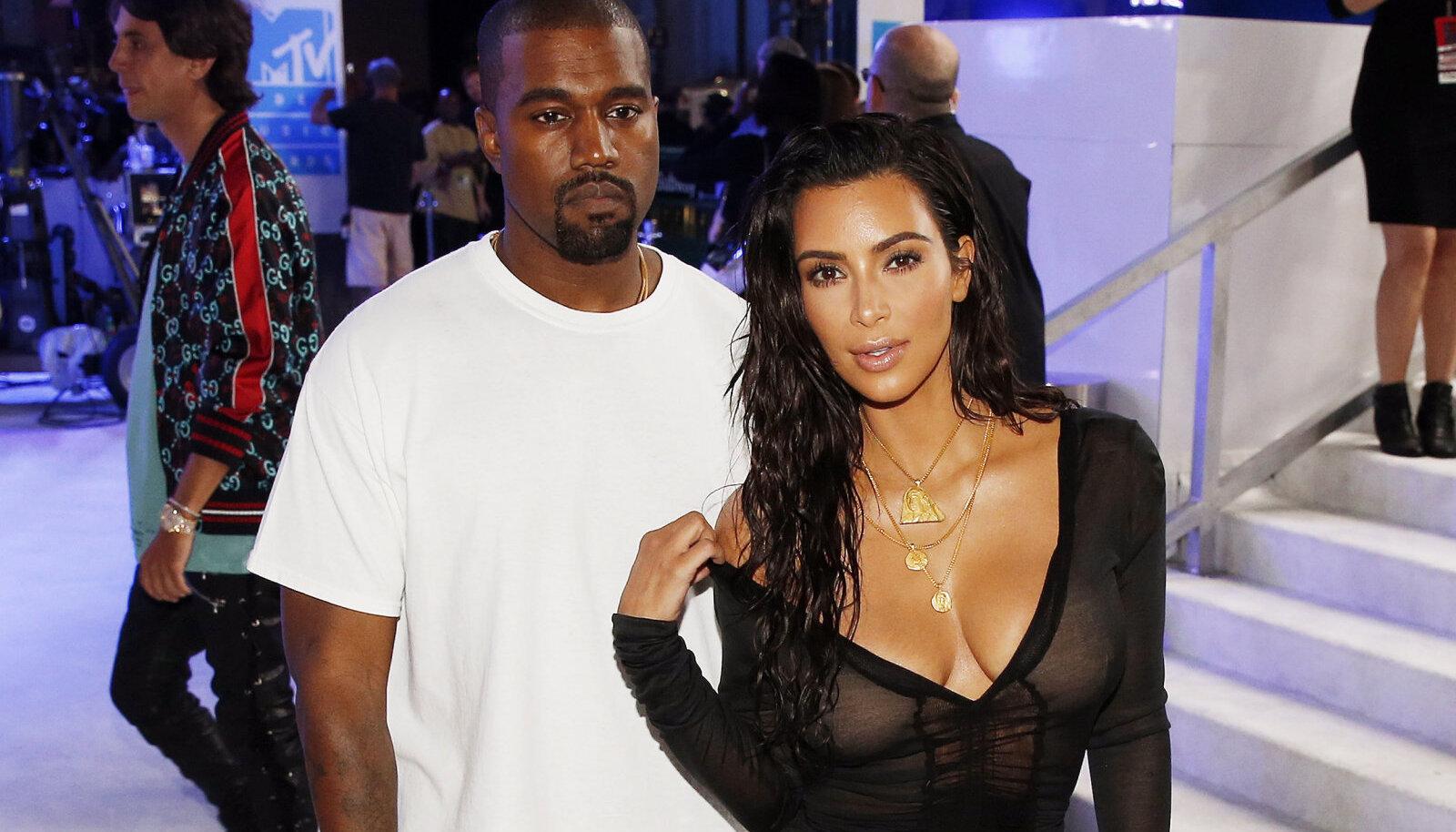 Kim ja Kanye 2016. aastal. Allikate sõnul leidsid lugematud petmised aset just siis.