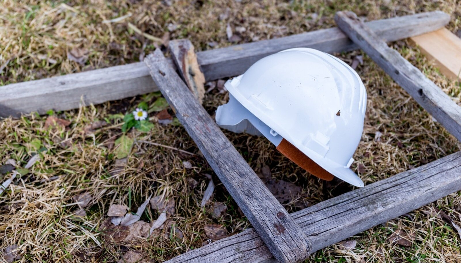 Tööõnnetuste puhul võiks kehtida umbes samasugune kindlustussüsteem kui liikluses, tööandjad ajavad aga plaanile sõrad vastu.