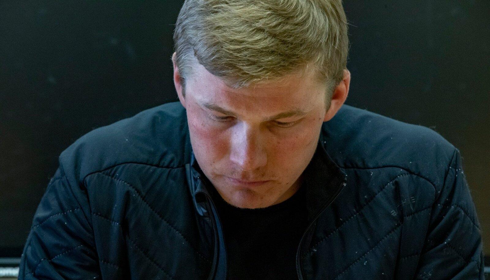 Karel Tammjärv Seefeldis toimunud pressikonverentsil.