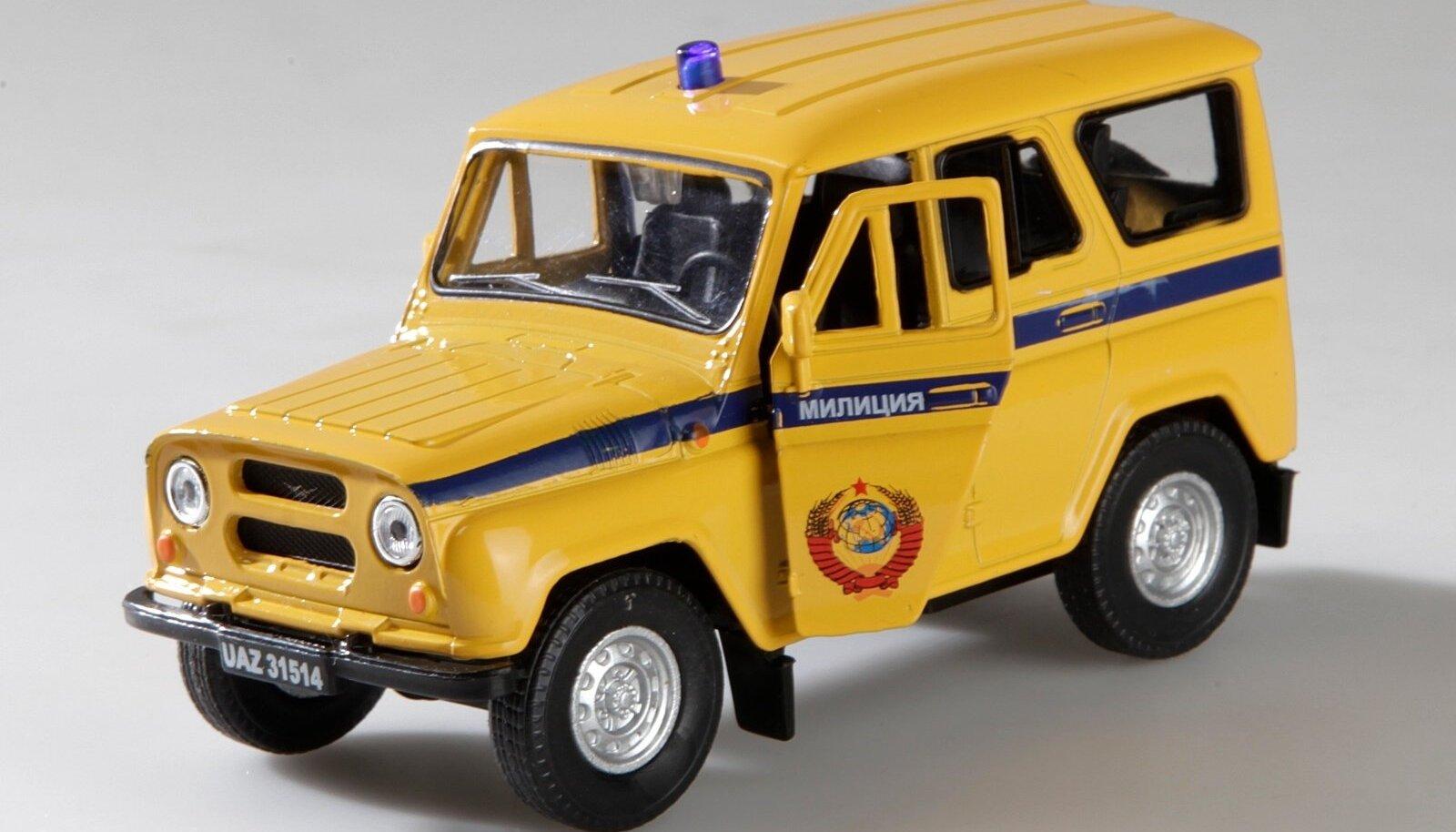 Miilitsaauto mudel