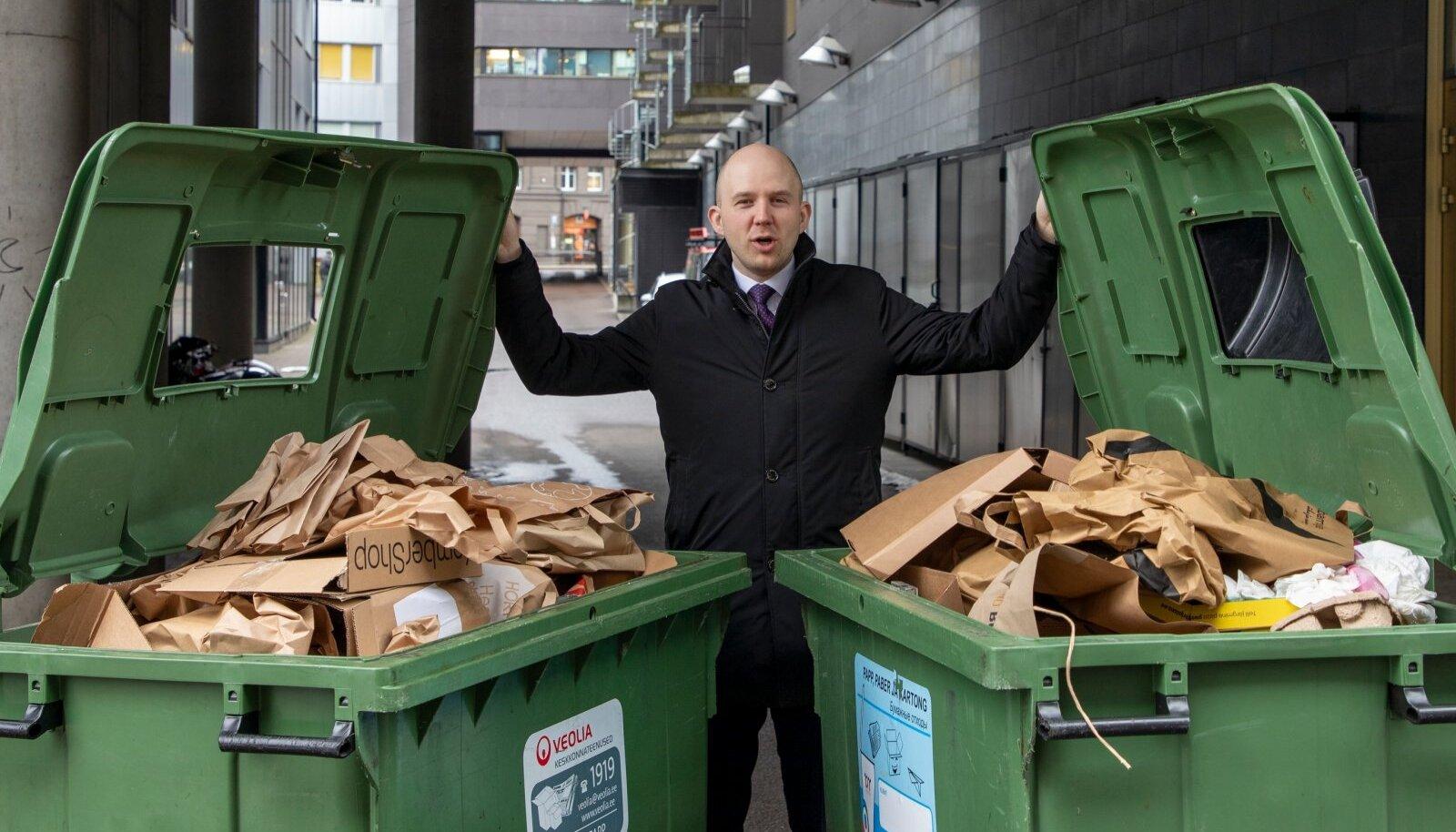 Keskkonnaminister Tõnis Mölder ütleb, et kuni inimesi nende mugavustsoonist välja ei saa, pole lootust, et ühiskond tervikuna hoolsalt jäätmeid sortima hakkaks.
