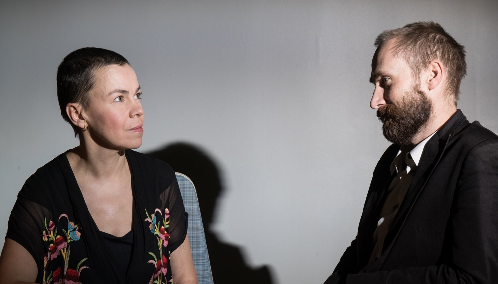 Ene-Liis Semper ja Tiit Ojasoo usuvad, et panustavad ühiskonda kõige paremini kunsti tehes.