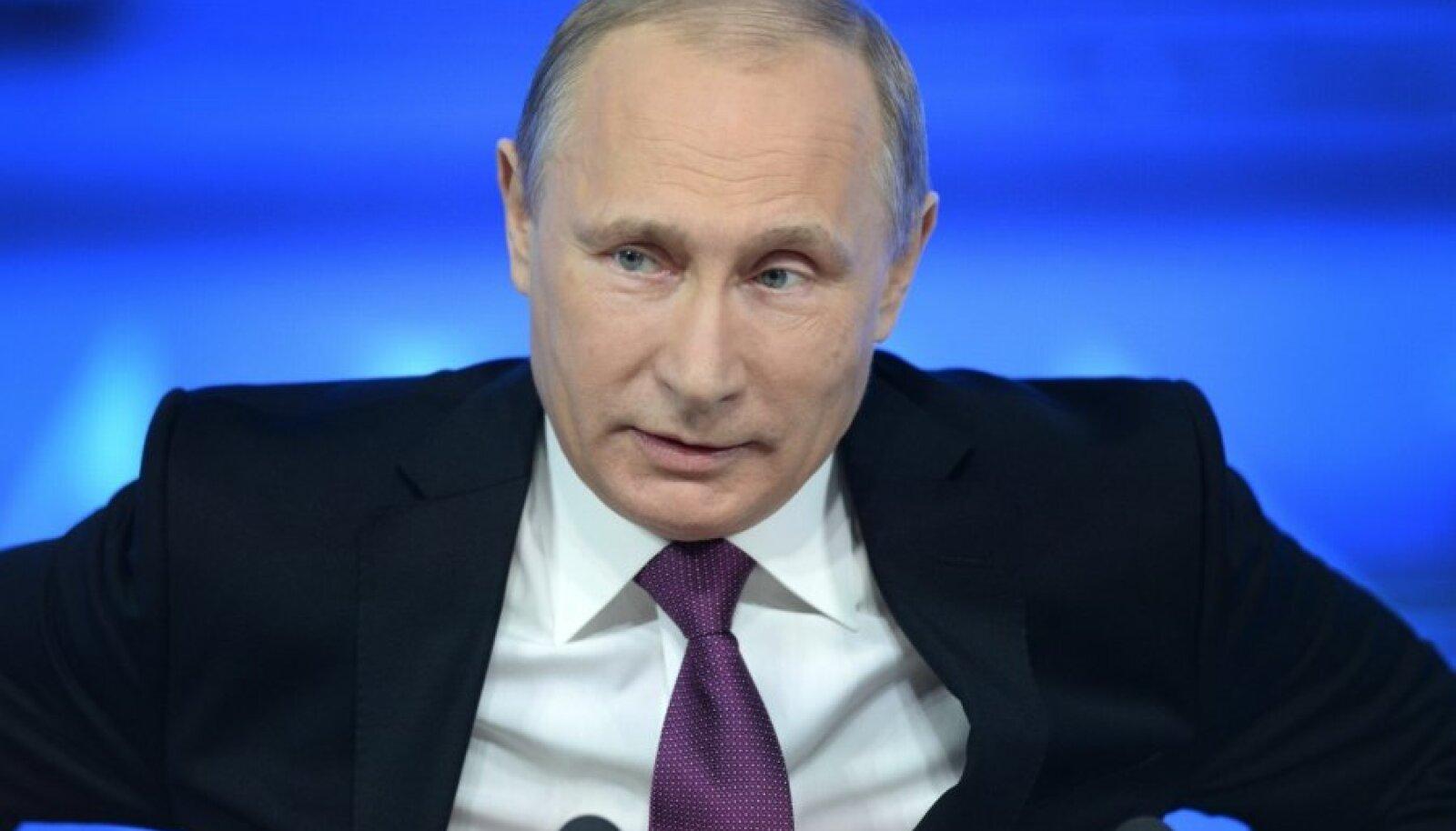 Vladimir Putin ajakirjanike ees