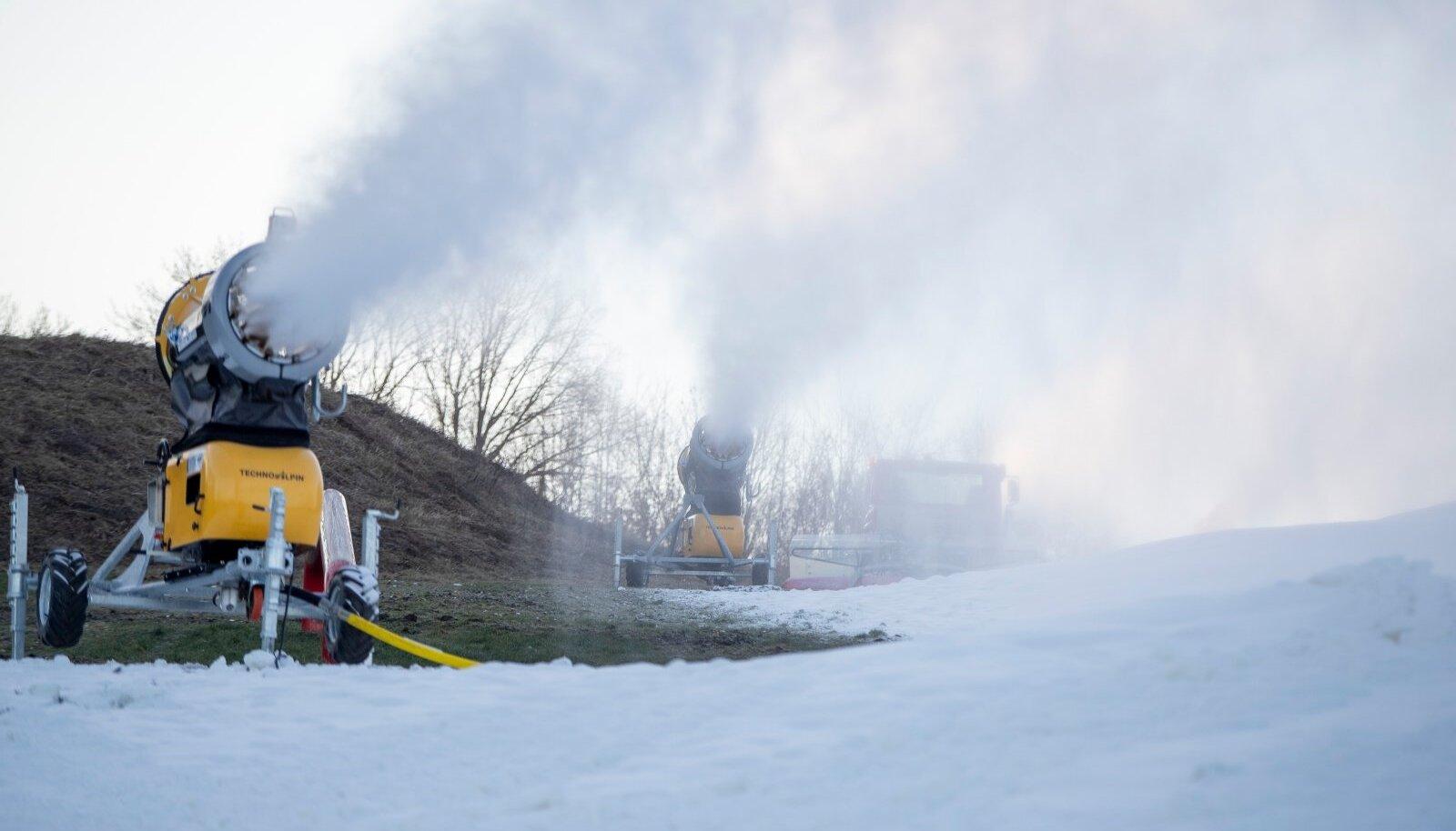 Pirital ja Viimsi lumekahurid tööhoos