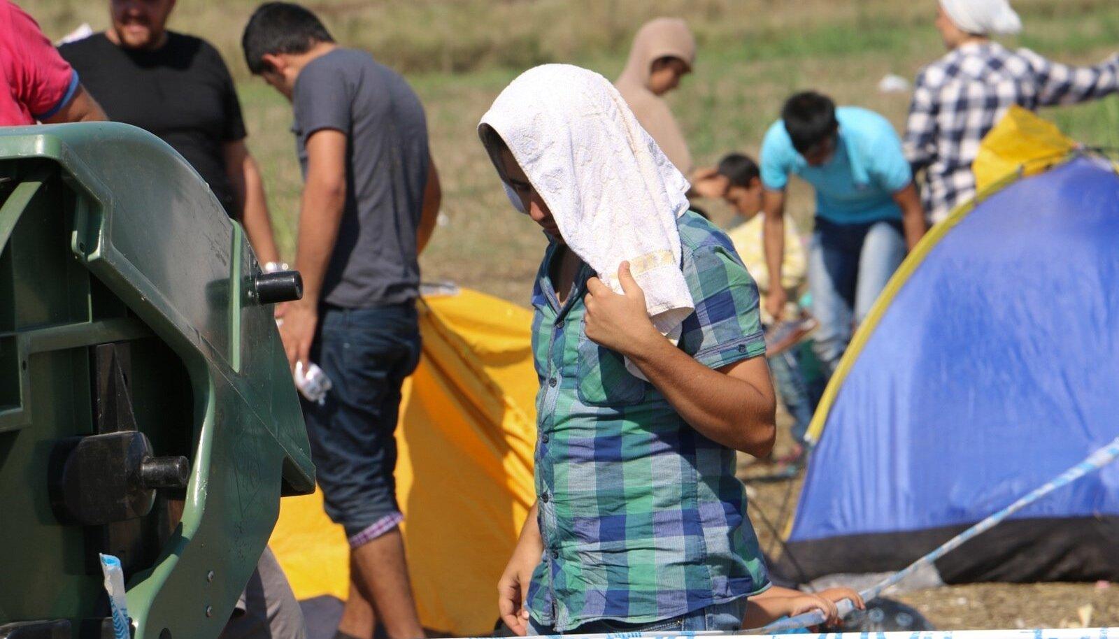 Migrandid kogumispunktis Ungaris.