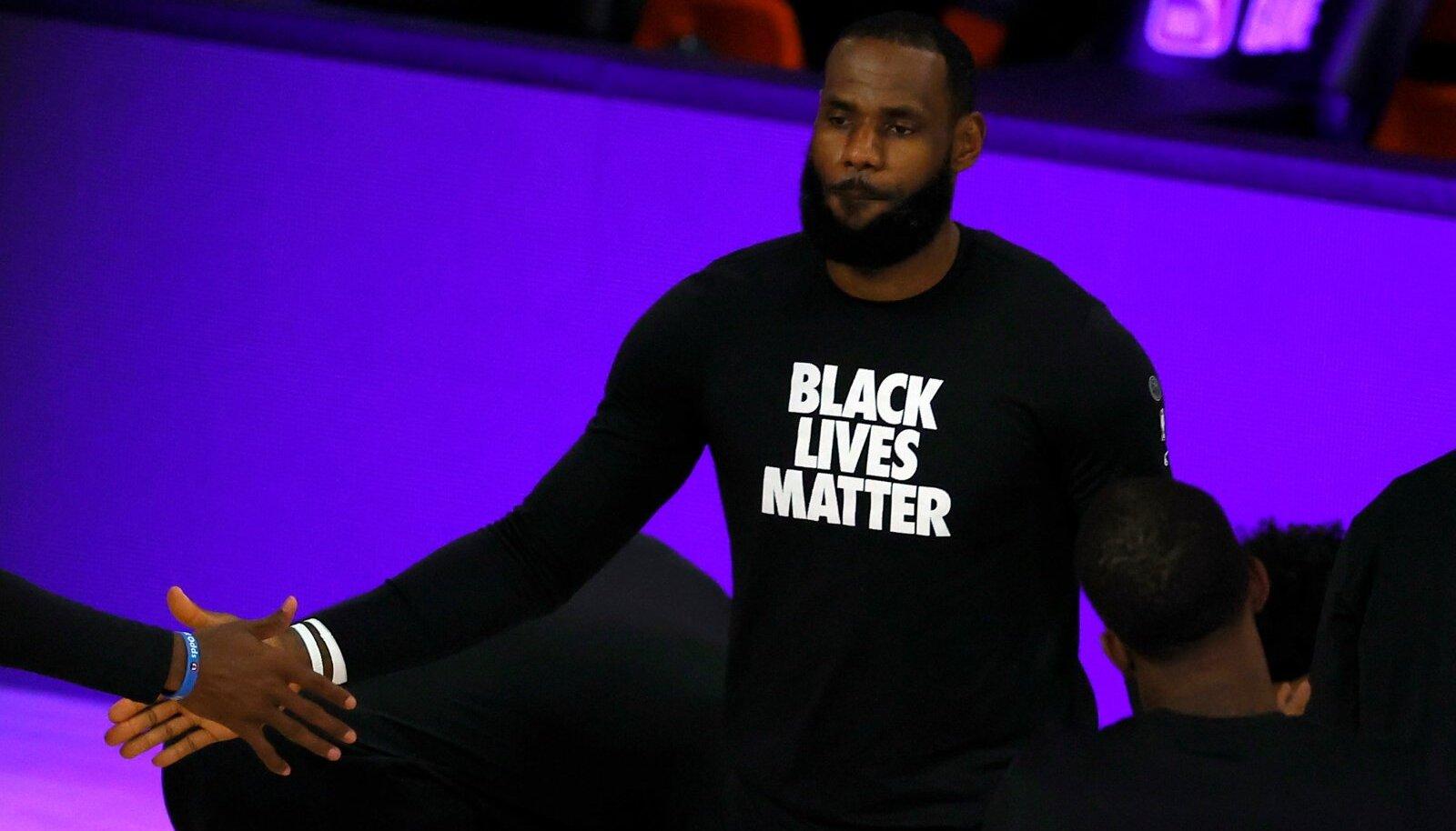 NBA suurim staar LeBron James soovis väidetavalt hooaja lõppenuks kuulutada, aga suurema osa kolleegide seas ta toetust ei leidnud.