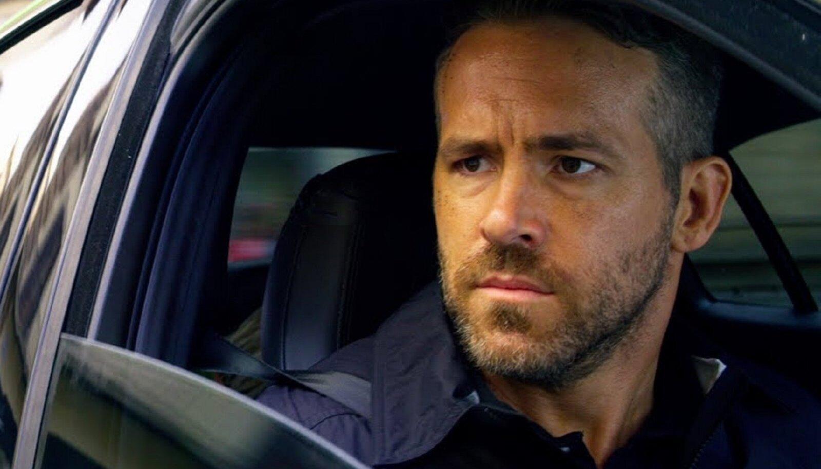 "Ryan Reynolds on Michael Bay Netflixi filmi ""6 Underground"" peaosas."