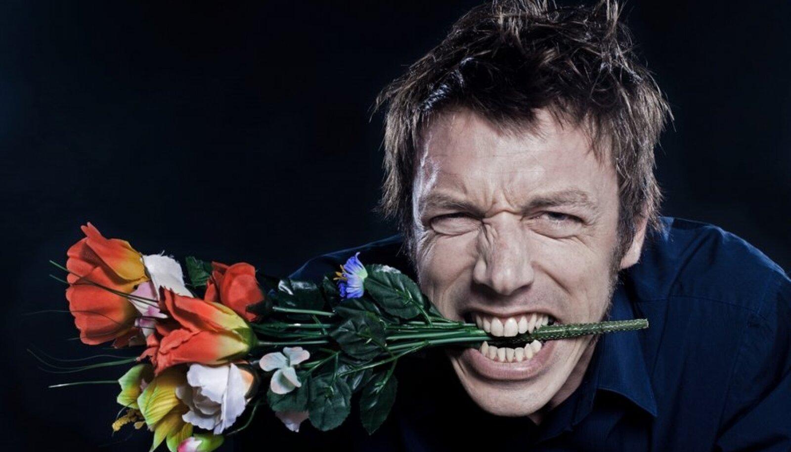 mees lillekimbuga