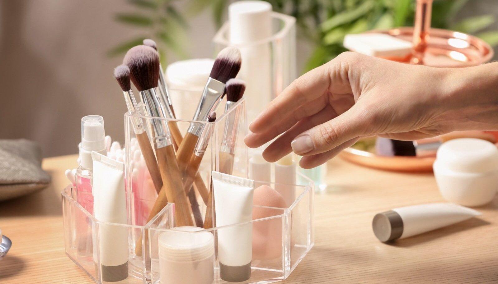 Kosmeetikavahendeid soovitatakse säilitada toatemperatuuril