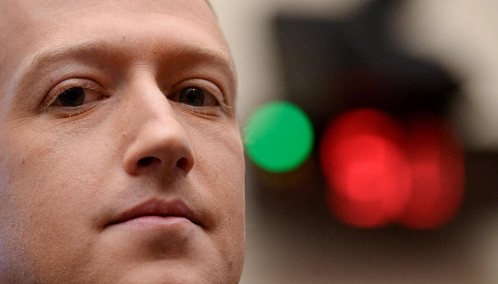 Mureliku näoga Facebooki kaasasutaja ja boss Mark Zuckerberg (foto: REUTERS / Scanpix)
