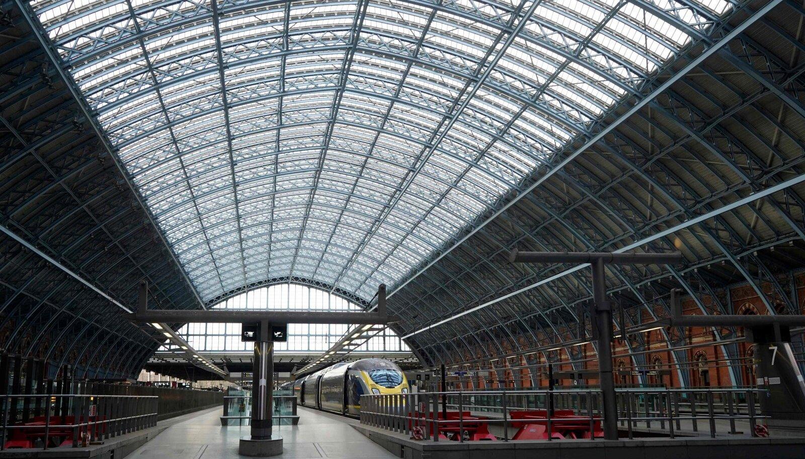 Eurostari rong Londonis St Pancrase rahvusvahelises rongijaamas