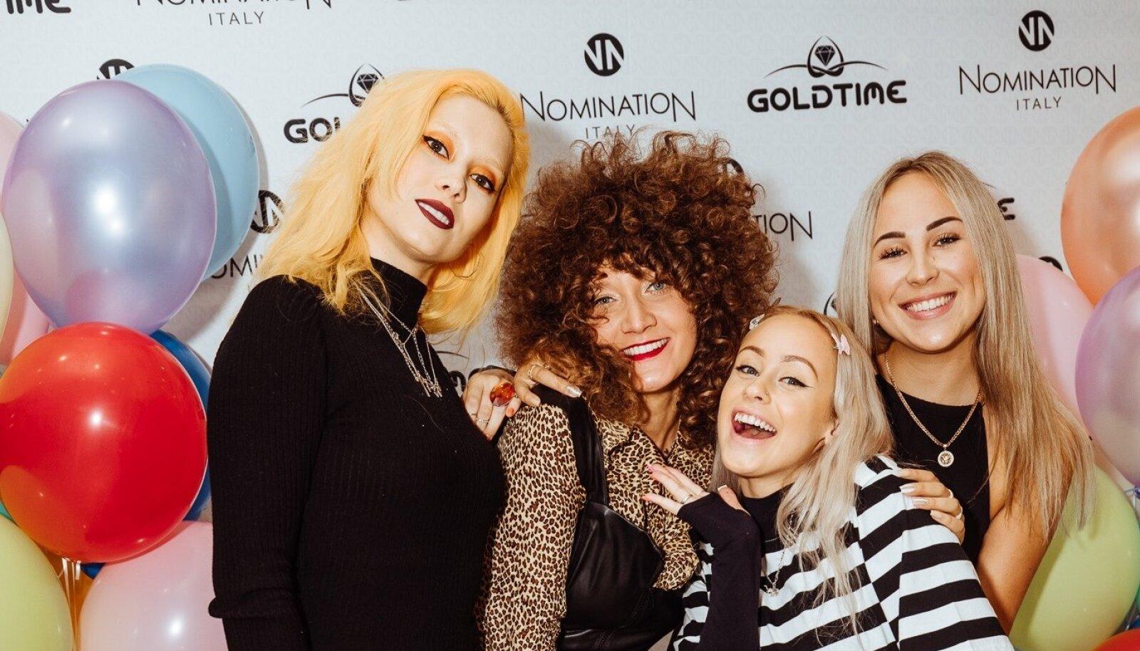 NÄOD NALJA TÄIS Ehteid pole naistel kunagi liiga palju, eriti naisartistidel. Goldtime'i valik lõi Lepatriinul, Laura Pritsil, Merilin Mälgul ja Aleksandria Mironjukil silmad särama.