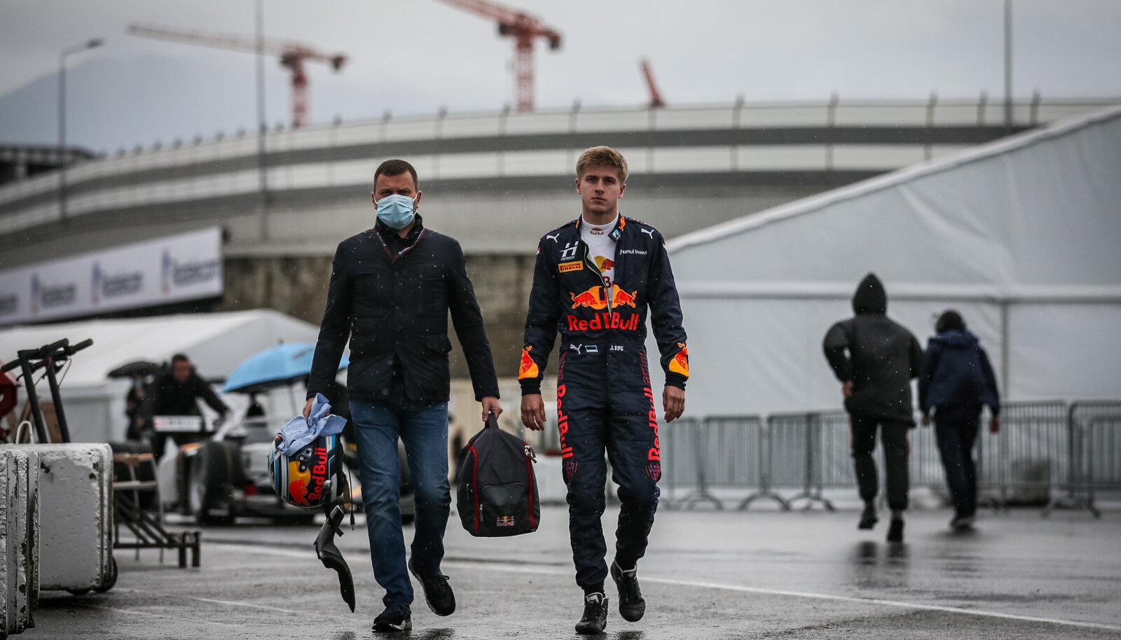 Jüri Vips (paremal) Sotši GP-l.