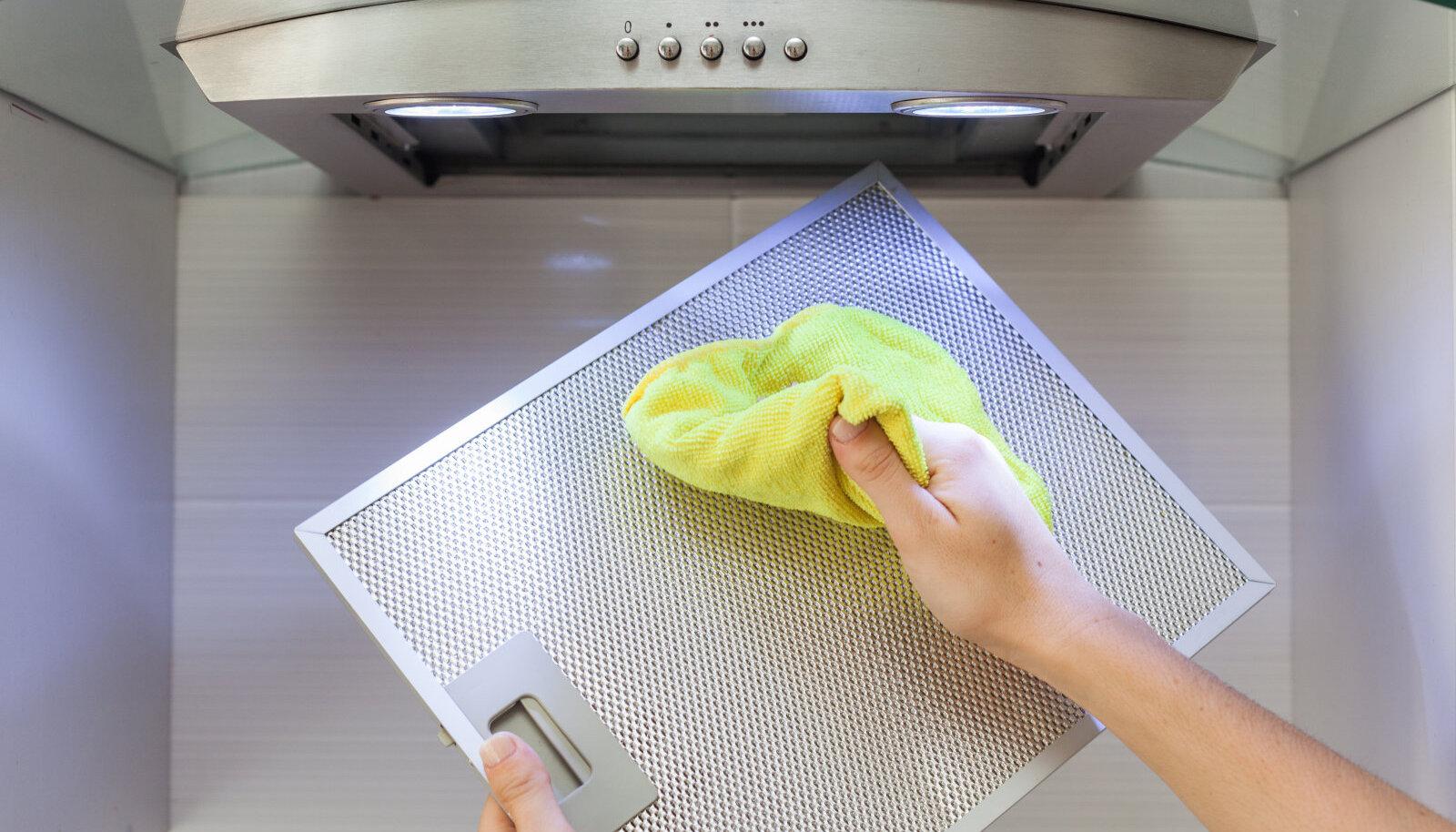 Köögikubu puhastamine.