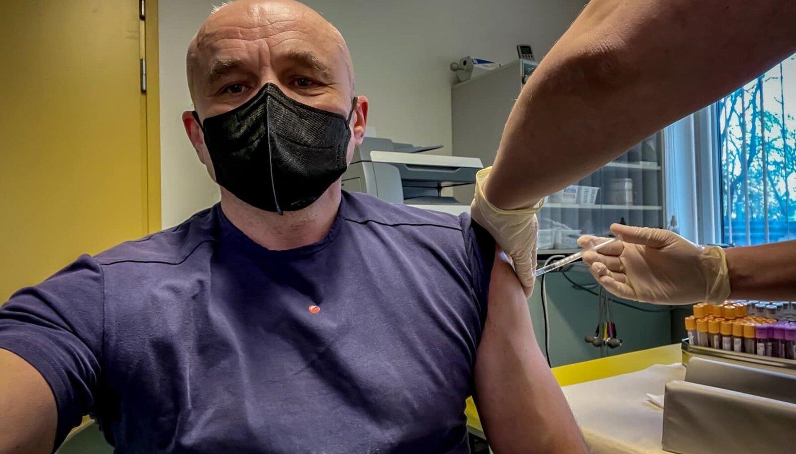 Raivo Hein vaktsineerimas AstraZeneca vaktsiiniga.