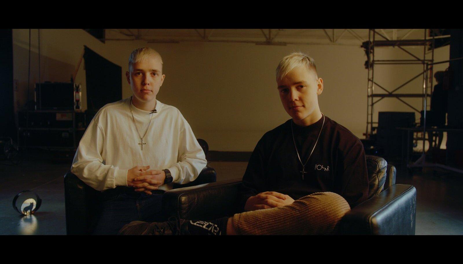 Vennad Eskod näevad elu kui omanäolist filmi.