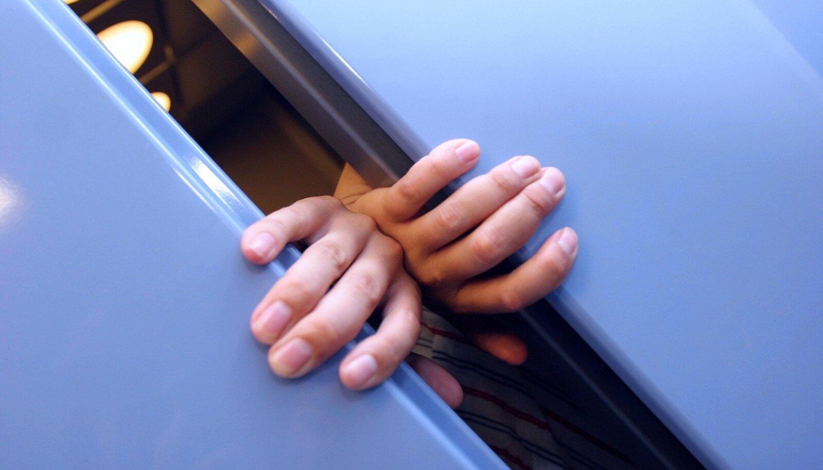Need, kes oskasid mõnd eksootilisemat keelt, võis omal ajal ühte paneelmaja lifti ära mahutada.