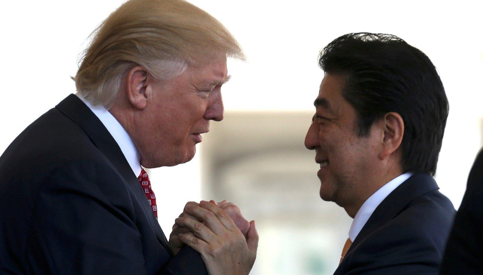 USA president Donald Trump ja Jaapani peaminister Shinzo Abe saavad hästi läbi. Riigijuhte ei ühenda ainult armastus golfi vastu, vaid ka sarnased vaated maailma asjadele.