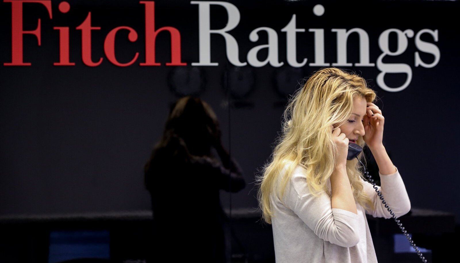 Fitch Ratings lowers Russia's credit ratings