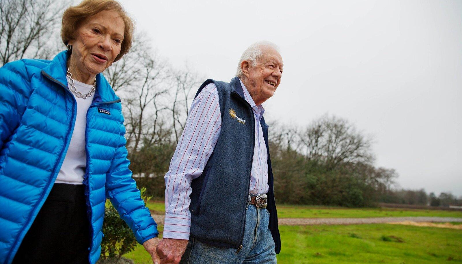 BRILJANTPULMAD: Jimmy Carter ja abikaasa Rosalynn on olnud abielus 75 aastat.