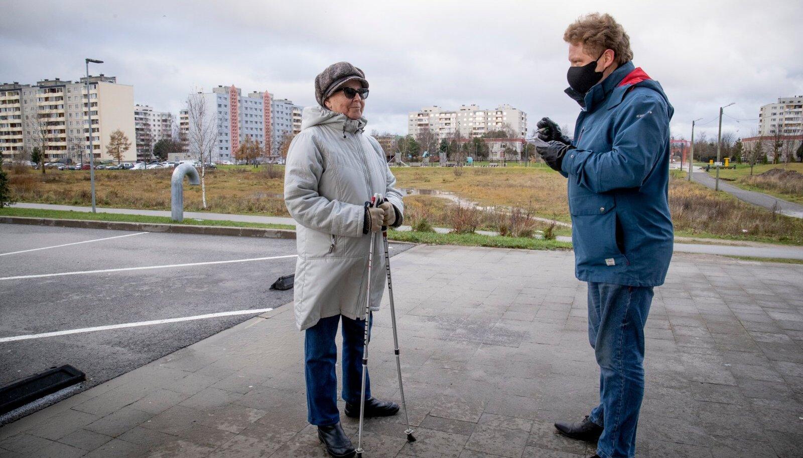 75-aastane Lasnamäe elanik Jelena Jegorova nimetas Vahur Kooritsale järgmise aasta valimistest rääkides koguni nelja parteid, aga Keskerakonda nende hulgas polnud.